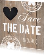 Trouwkaarten - Save the Date kaart typografie hartje houtlook