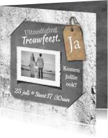 Trouwkaarten - Trouwkaart krijtbord en beton RB