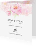 Trouwkaarten - Trouwkaart rozenrand in pastel op wit