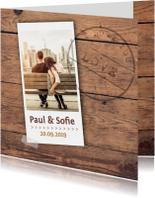 Trouwkaarten - Trouwkaart stoer hout met foto