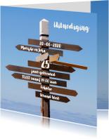 Jubileumkaarten - Uitnodiging Houten Wegwijzer - OT