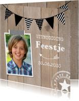Kinderfeestjes - Uitnodiging kinderfeestje hout slinger