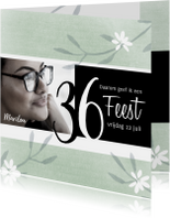 Uitnodigingen - Uitnodiging met lentebloemen en foto
