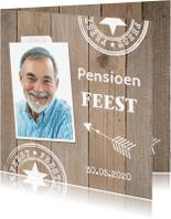 Uitnodigingen - Uitnodiging pensioen eigen foto houtprint