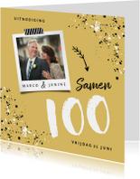 Uitnodiging verjaardag samen 100 okergeel met spetters
