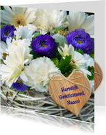 Verjaardagskaart Foto bloemen en vlechtwerk met hartje