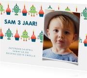 Kinderfeestjes - Kinderfeestje kaart met feestende robots en foto