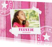 Kinderfeestjes - Uitnodiging kinderfeestje hout roze