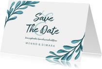 Trouwkaarten - Save the date kaart met geschilderde bladeren liggend