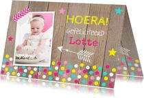 Verjaardagskaarten - Verjaardagskaart foto meisje confetti hout