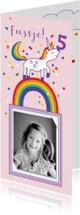 Kinderfeestjes - Kinderfeestje meisje met tekening van regenboog unicorn