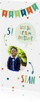 Kinderfeestjes - Kinderfeestje met vlaggetjes en spreekwolkje jongen lang
