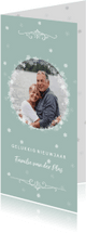 Nieuwjaarskaarten - Nieuwjaarskaart met zachtgroene achtergrond en sneeuwsterren