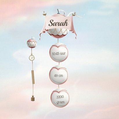 Geboortekaartje wiegje aan ballonnen vintage kleuren meisje 2