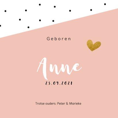 Geboortekaartje zwarte stipjes met roze vlak en goud hartje 3