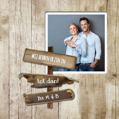Jubileumkaart huwelijk pallet wegwijzer op hout  2