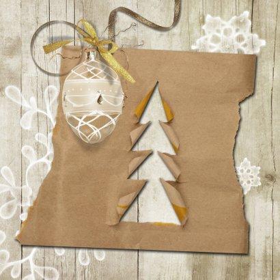 Kerstkaart trendy hout en papier kerstboompjes 2