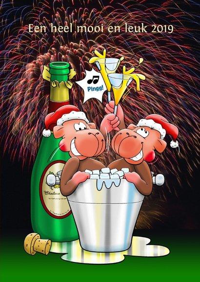 Kerstkaart met poes en muis met champagne 3