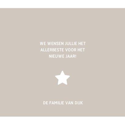 Kerstkaart vierkant met foto's, ster en jaartal 2019 3