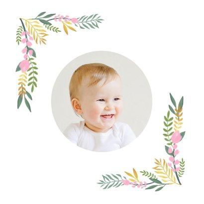 Kinderfeestje uitnodiging hip met flamingo en bloemen 2
