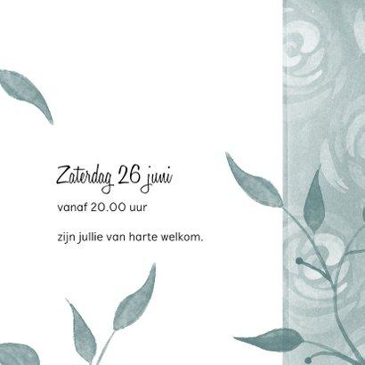 Moderne uitnodiging voor een tuinfeest met rozen 3