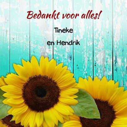 Mooie bloemenkaart Zonnebloemen op schutting 3