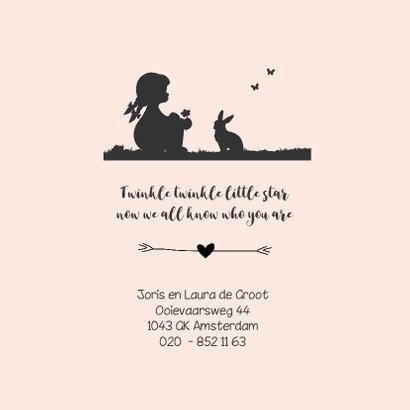 Romantisch geboortekaartje met een silhouet meisje en dieren 2