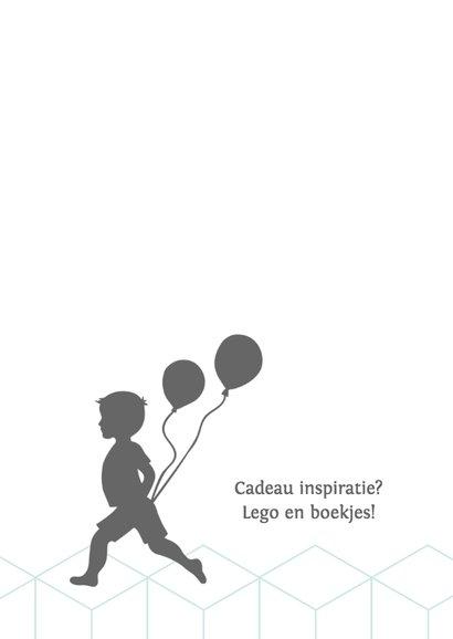Silhouet uitnodiging jongen met ballonnen 2