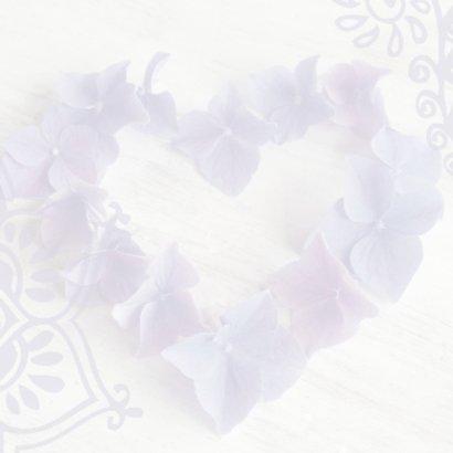 Trouwkaart hart hortensiabloemen 2