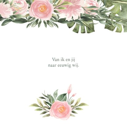 Trouwkaart met flamingo en tropische bloemen en bladeren 2