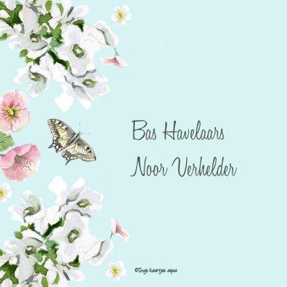 Trouwkaart Romantische bloemen vlinders 2