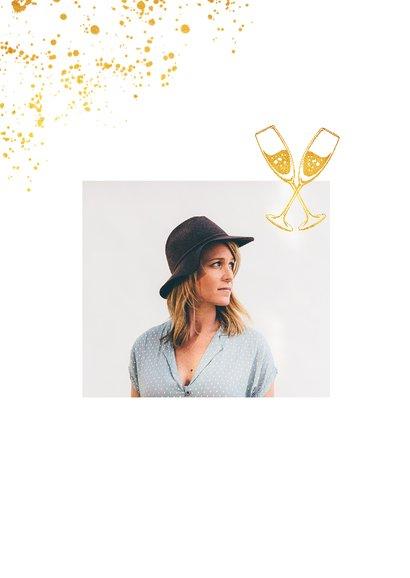 Uitnodiging verjaardag stijlvol en klassiek met goud 2