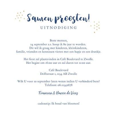 Uitnodiging verjaardag stijlvolle blauwe en goudlook bloemen 3