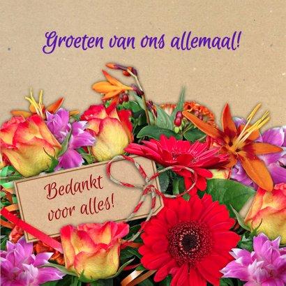Vrolijke bloemenkaart met mooi boeket en kaartje voor naam 3
