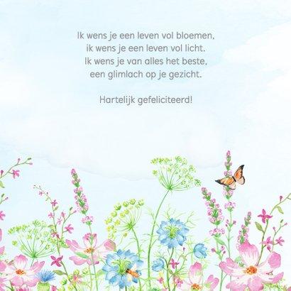 Vrolijke bloemenweide met vlinders 3
