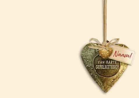 Felicitatiekaart bronskleurig hart tussen mooie bloemen 3