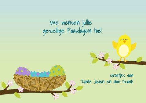Paaskaart met vrolijk kuiken in vogelnest 3